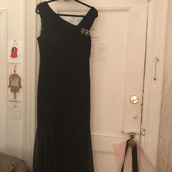 Xscape Dresses & Skirts - XSCAPE black gown